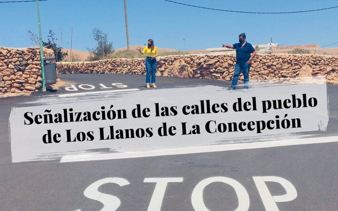El Ayuntamiento señaliza las calles del pueblo de Los Llanos de La Concepción