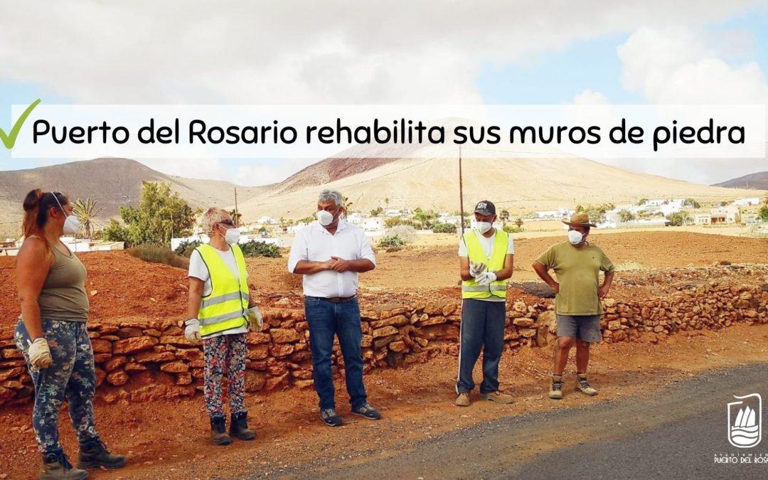 Puerto del Rosario rehabilita sus muros de piedra