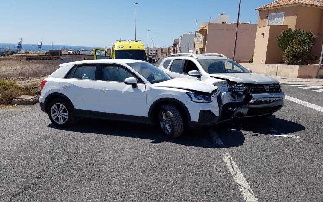 La Policía Local detiene a un hombre como autor de un delito contra la seguridad vial por estar implicado en un accidente de tráfico en el que carecía de permiso de conducir