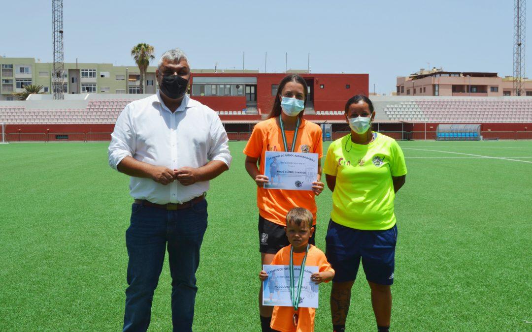 Clausura con éxito el primer Campus Azahara Darias de fútbol base