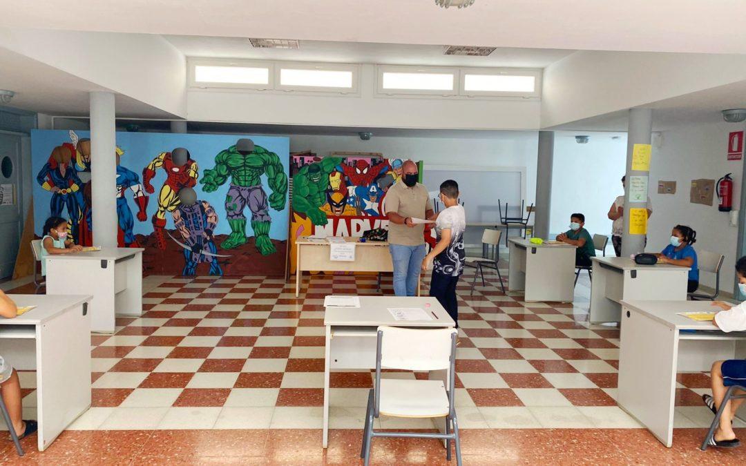 Los proyectos de 'Apoyo Escolar', 'Gimnasia y Mantenimiento' y 'Dinamización Sociocultural' llegan a su fin tras dar servicio a más de 300 participantes