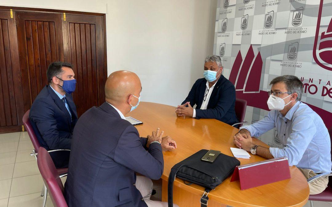 El alcalde y el concejal de Economía y Hacienda se reúnen con representantes de CaixaBank