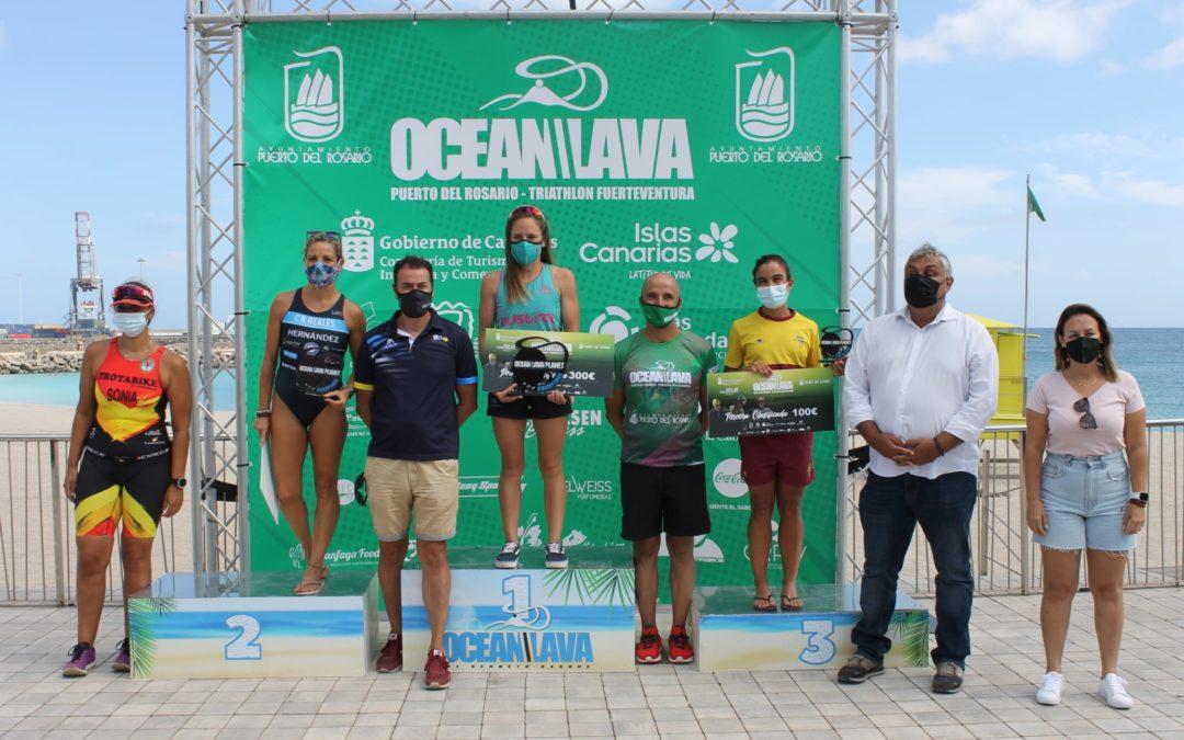 Raúl Lecuona y Raquel Arostegui, ganadores del Ocean Lava Puerto del Rosario – Triathlon Fuerteventura