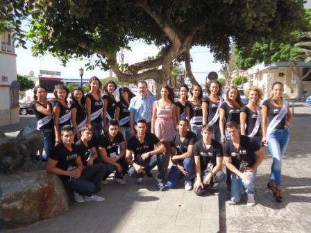 LOS CANDIDATOS/AS DE MISS Y MR FUERTEVENTURA VISITAN EL AYUNTAMIENTO DE PUERTO DEL ROSARIO