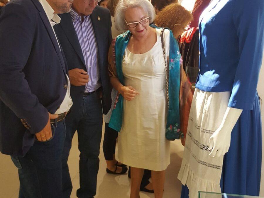 Abierta al público la Exposición  sobre vestimenta tradicional y calados