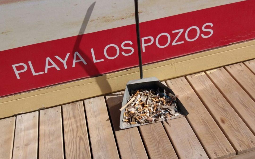 Limpieza y nueva adecuación del mobiliario en la  Playa de Los Pozos