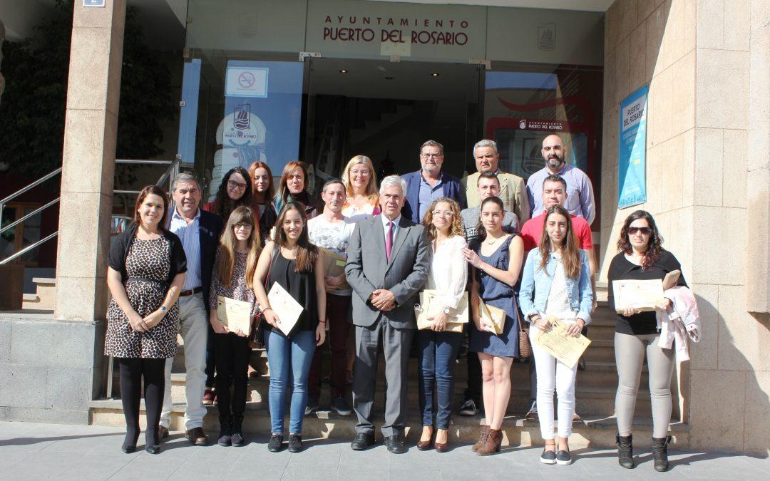 Cerca de 100 alumnos premiados en los ocho años de los Premios Académicos