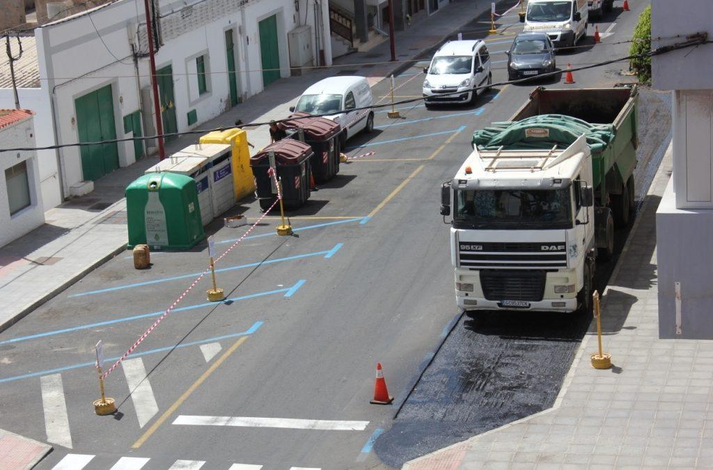 Reposición del asfaltado en las calles Ramón Peñate y Fernandez Castañeyra