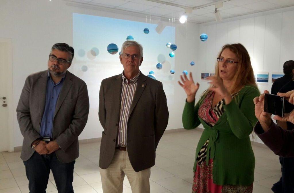 Susana Ferrero expone su «Planeta Fuerteventura» en la Casa de la Cultura