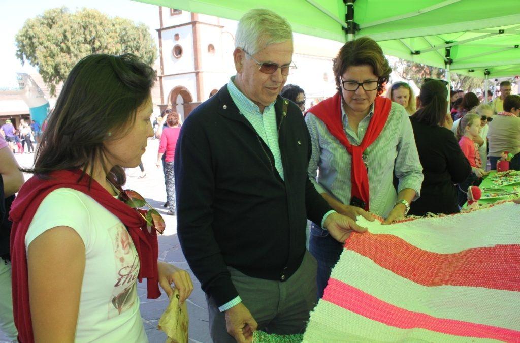 El Mercado Artesanal de Tetir vive uno de sus días más concurridos