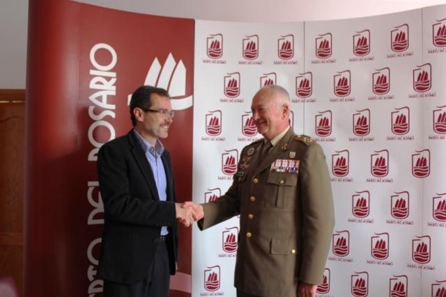 El alcalde recibe al Jefe del Mando Militar en Canarias