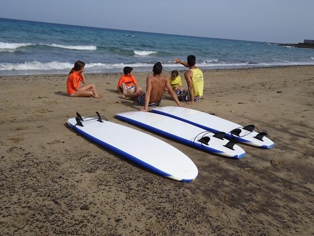 Surf y biodanza como terapias psico-sociales para jóvenes