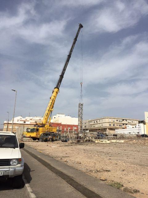 Puerto del Rosario incoa expediente de desmontaje y retirada de tres grúas-torres