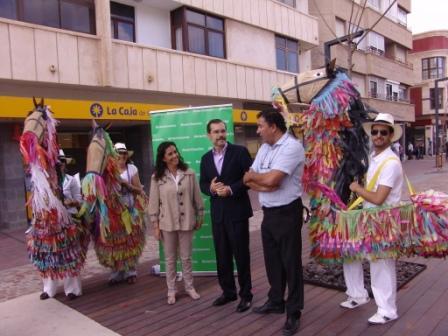 150 PERSONAS PERTENECIENTES A UNA DOCENA DE GRUPOS Y ASOCIACIONES INTERPRETARÁN LAS DANZAS DE CANARIAS EN EL ESPECTÁCULO