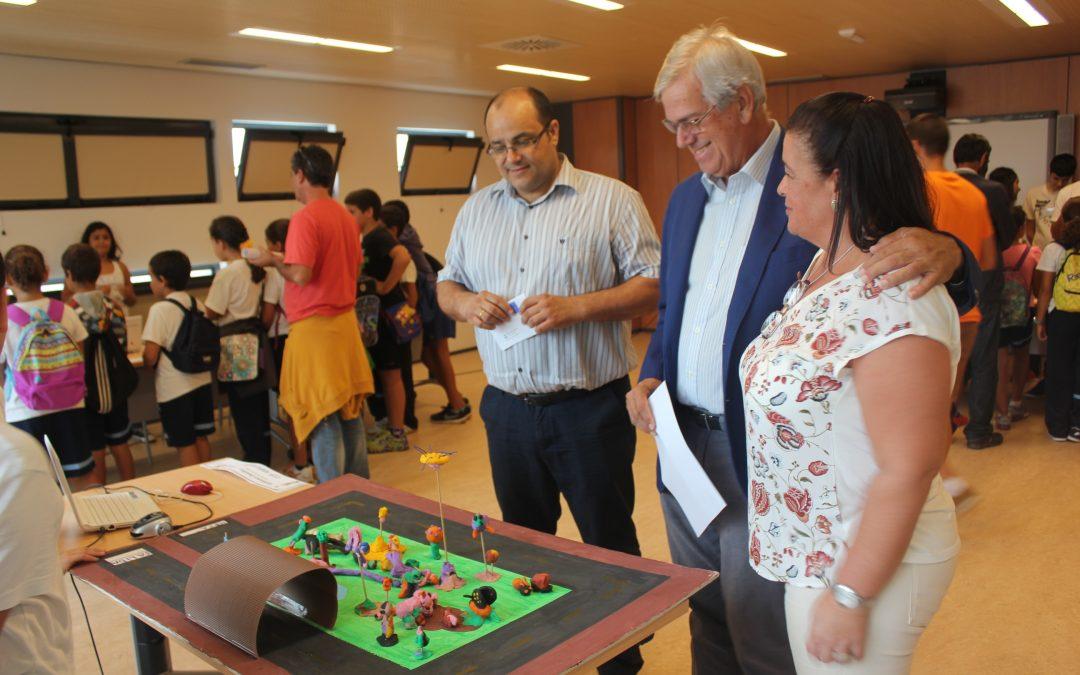 Alcalde y Concejal de NNTT visitan  la Feria de la Ciencia
