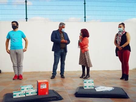 Ayto. y Ciudad Amiga de la Infancia dotan de más material anticovid a los colegios