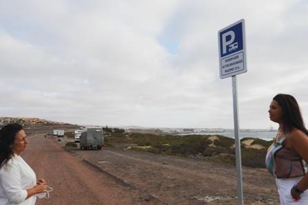 Se establecen en Playa Blanca y Fabelo dos zonas de estacionamiento regulado para autocaravanas
