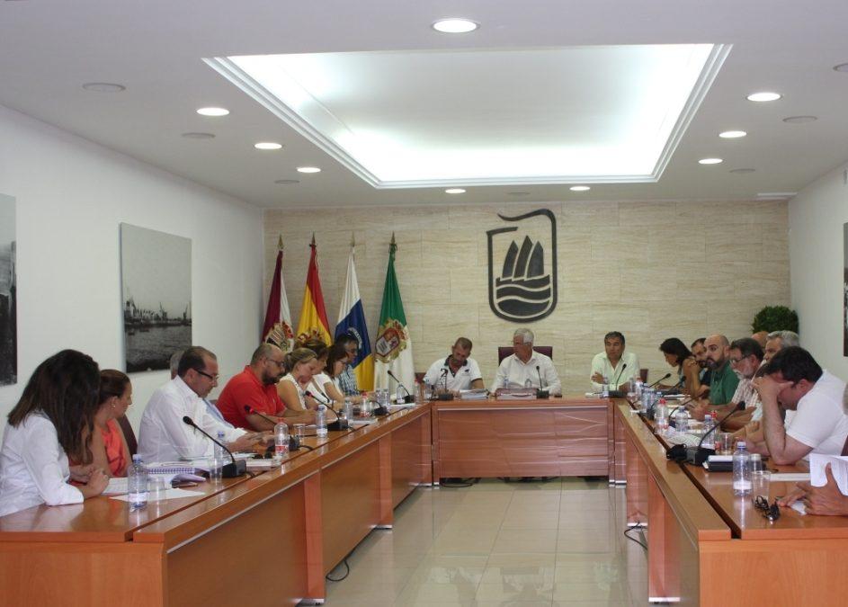 El Ayuntamiento declara como públicos  más de 40 caminos  en Tetir