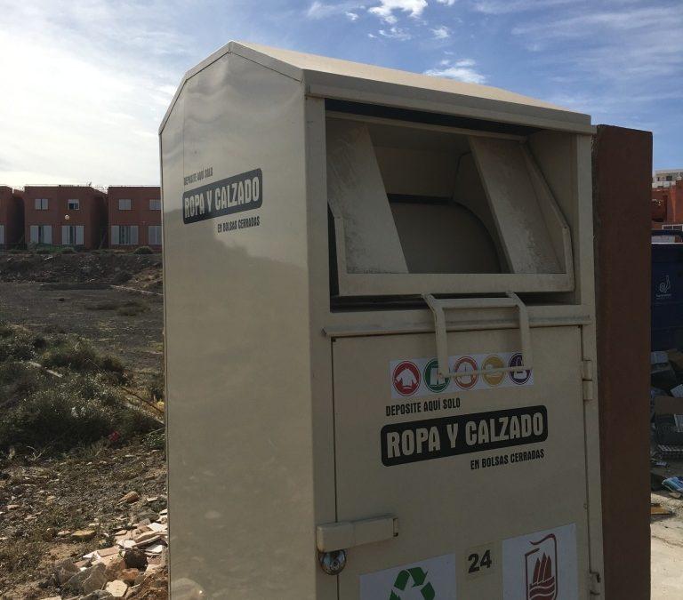 Se retiran 5 toneladas de ropa usada, cada mes, para su reciclaje