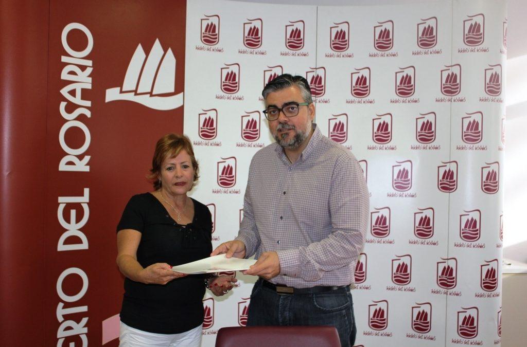 Entrega de subvención a la formación musical «Parranda Luis Márquez»