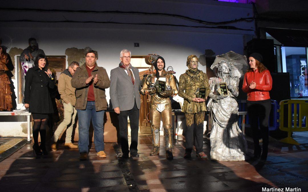 Gran acogida de público en el I Certamen de estatuas humanas #salporpuerto