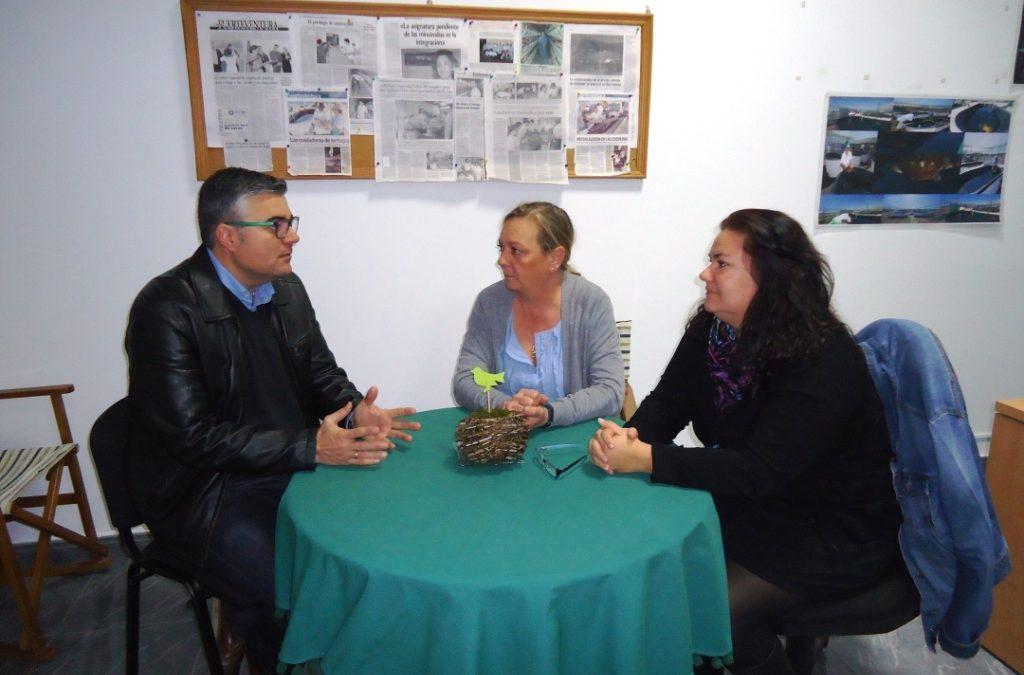 El Concejal de Servicios Sociales se reúne con ADISFUER