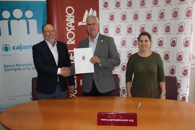 Firma de convenio entre el Ayuntamiento de Puerto del Rosario y Fundación Cajamar Canarias