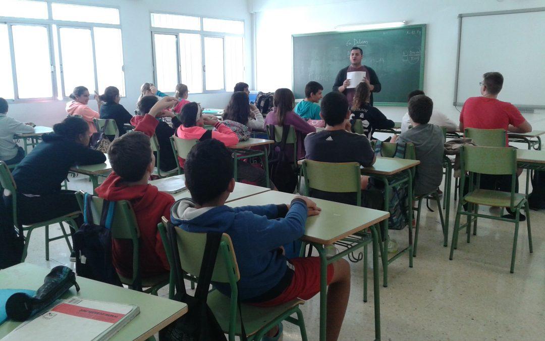 Los alumnos de 1º de la ESO participan en un Taller sobre Drogodependencias
