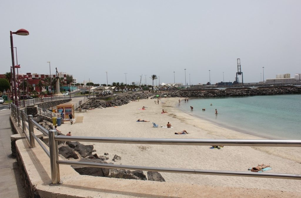 La playa de Los Pozos continúa siendo una garantía para sus usuarios