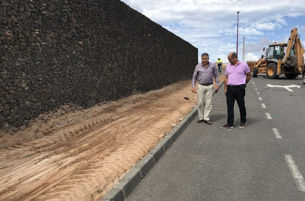 Comienzan las obras del Plan de Aceras de Puerto Lajas
