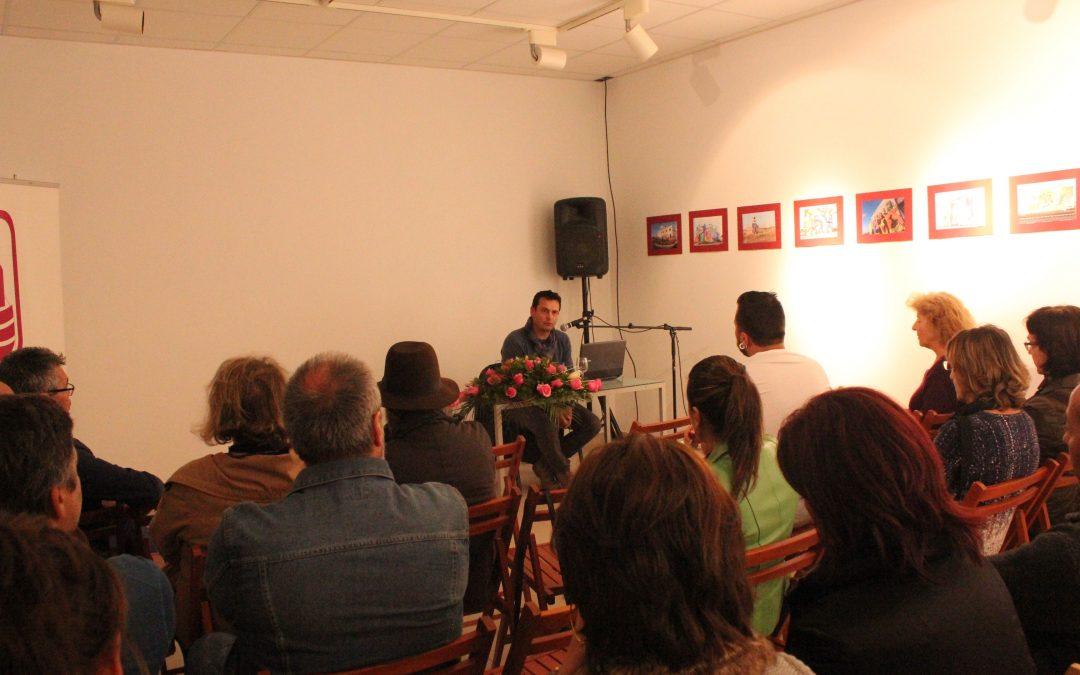 Amancio González diserta sobre el arte en la escultura