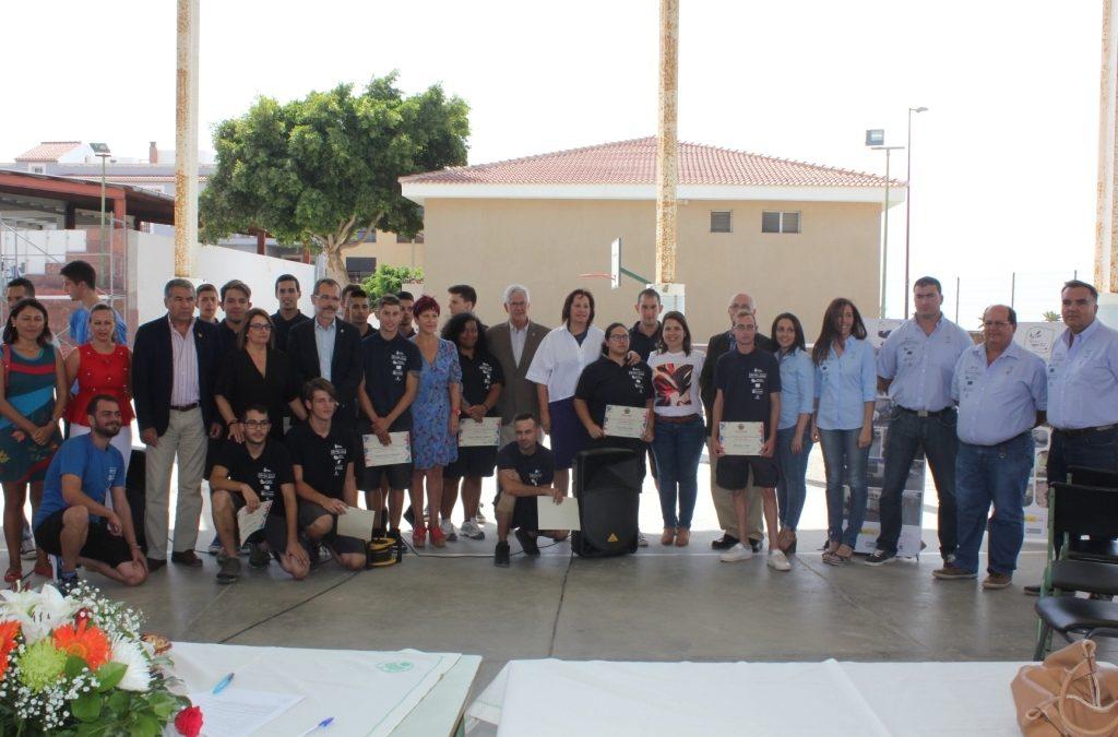 Reconocimiento del CEIP Pablo Neruda al PFAE Reformando Puerto