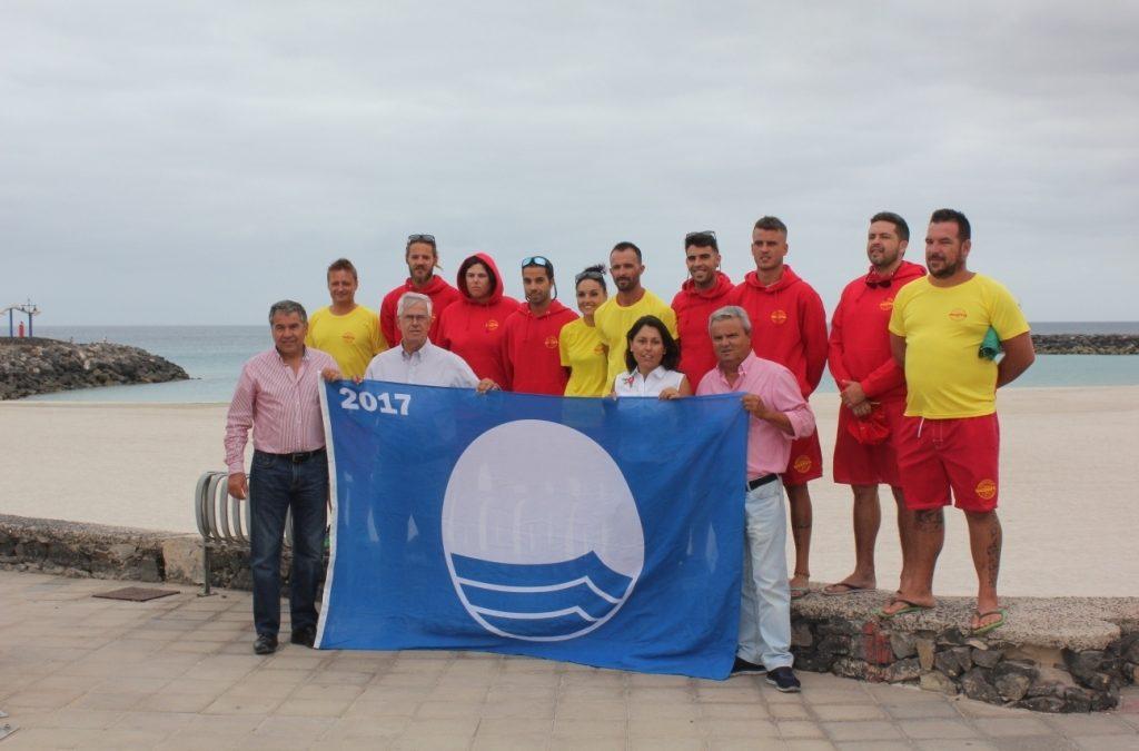 Puerto del Rosario  ya luce sus tres banderas azules
