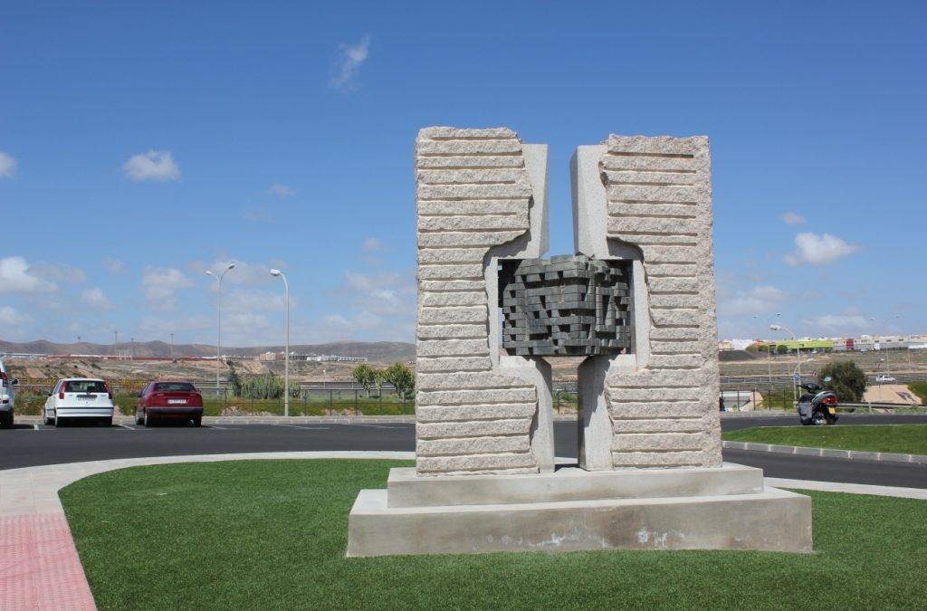 Reubicación de dos esculturas del Museo al aire libre de Puerto del Rosario