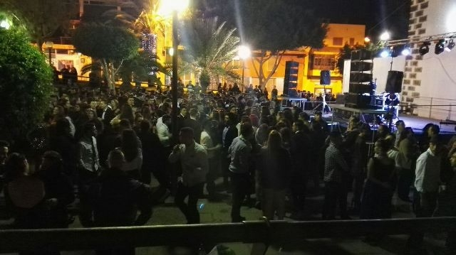 Buen ambiente en la fiesta de fin de año en Puerto del Rosario