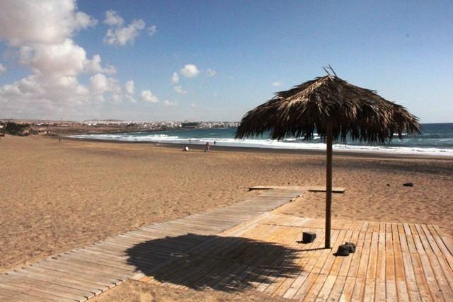 Abre concurso público para adjudicación de chiringuitos en playas de Puerto