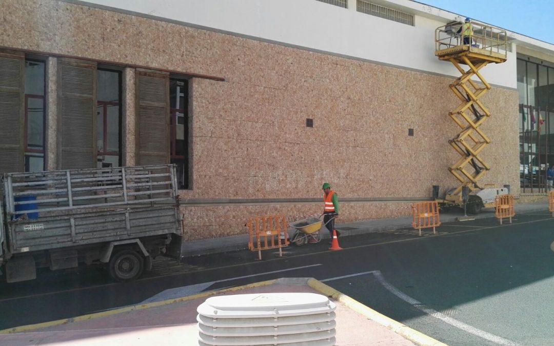 Culminan los trabajos en la fachada del Centro de día de Mayores