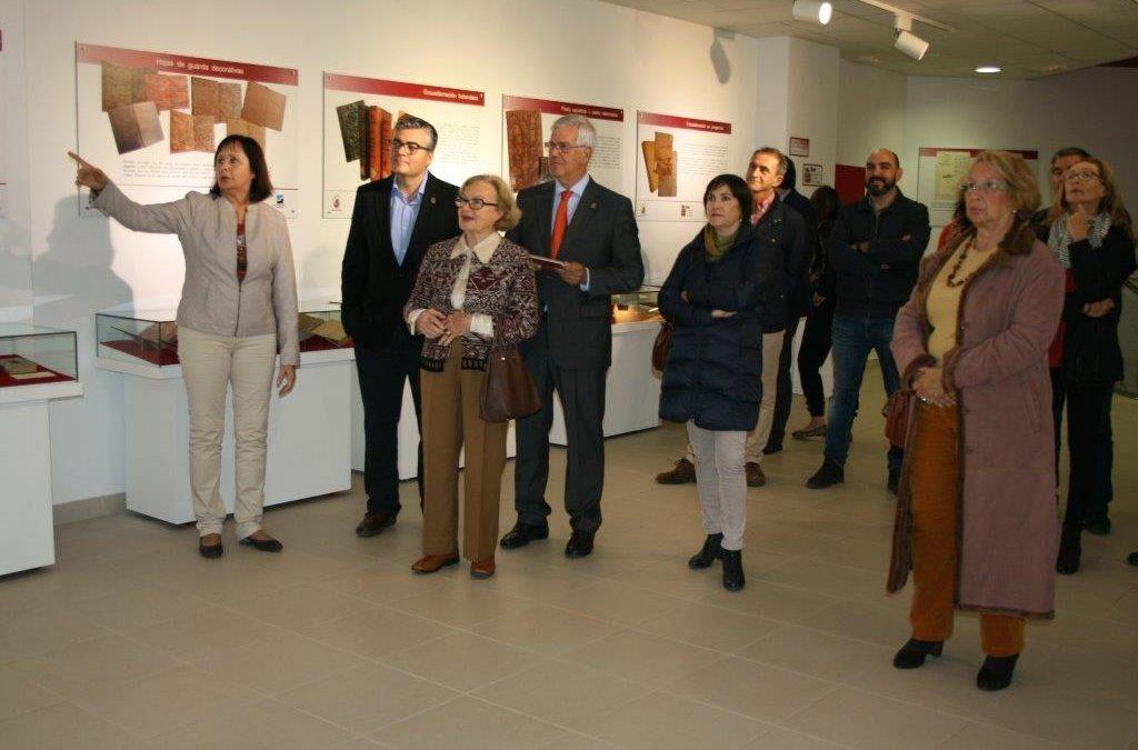 Abierta la Exposición de libros antiguos, raros y curiosos en la Casa de la Cultura