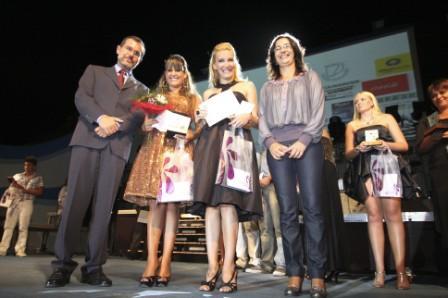 ARANTXA Y ALEXIA GANAN EL I FESTIVAL DE LA CANCIÓN DE FUERTEVENTURA