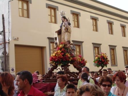 LAS FIESTAS DEL CARMEN EN LA CAPITAL. Atención al recorrido de la procesión condicionado por las obras en 1º de Mayo.