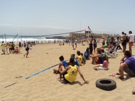 «SOL Y LUNA 2011» RESPONDE UNA VEZ MÁS A LOS JÓVENES DE LA ISLA. 4000 PERSONAS SE REUNIERON EN PLAYA BLANCA EL PASADO SÁBADO 18 DE JUNIO