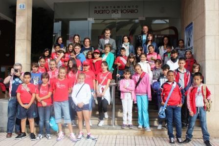 LOS PARTICIPANTES DE TENERIFE EN FUERTEGUINEO VISITAN PUERTO DEL ROSARIO