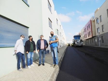 Avanzan a buen ritmo las obras de reasfaltado del barrio de Rosa Vila