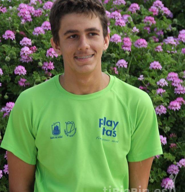 El Ayuntamiento felicita al joven nadador Tomás Carrascosa por su récord