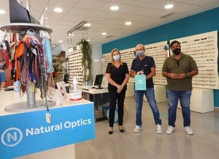 Las personas ganadoras de la Campaña Comercial 'Mójate' estimulan las compras en la capital