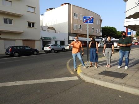 Puerto del Rosario adapta varios pasos de peatones a la normativa de accesibilidad