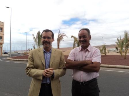 LA ROTONDA DE TENESOR PRESENTA UNA PLANTACIÓN DE PALMERAS Y OTRAS PLANTAS ORNAMENTALES