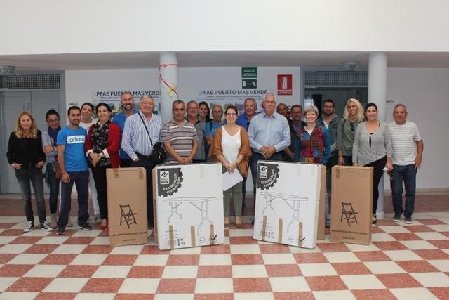 Entrega de material a las asociaciones de vecinos de Puerto del Rosario