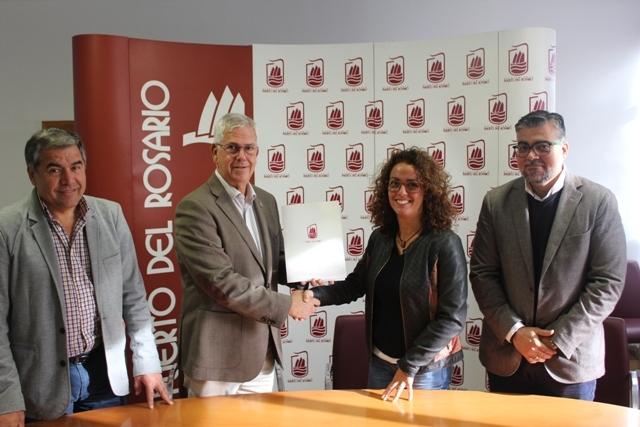 Firma de contrato de la casa del maestro en Casillas del Angel