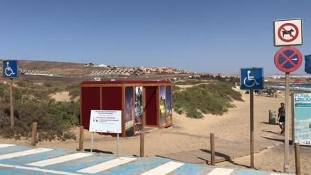 Puerto del Rosario continúa con los trabajos para la puesta a punto de todas las playas del municipio
